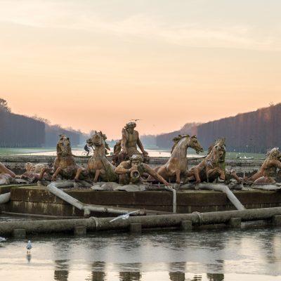 Versailles 11 décembre 2013  Char du Soleil, groupe central du bassin, a été réalisé en 1668-1671 par Jean-Baptiste Tuby.